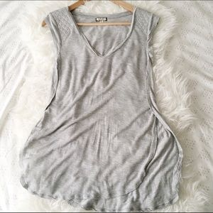 Eyeshadow Tops - Grey Long Tank Top With Parted Sides